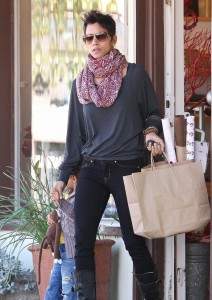 Halle Berry and Nahla visited a Luggage Store
