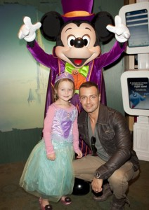 Joey Lawrence, daughter and Mickey