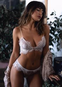 Model Natalie B in Sky